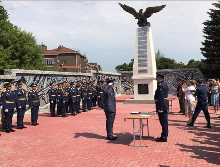 البعول تبارك  تخريج  الملازم اول  الطيار الحارث البعول من الكلية الروسية