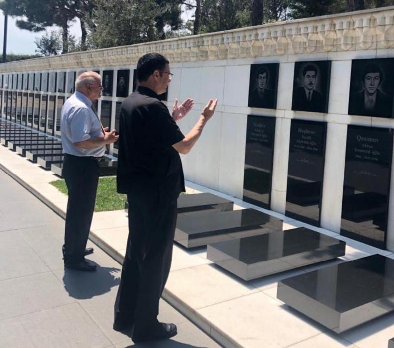 تغطية إعلامية كبيرة  باشهار كتاب المؤرخ عمر العرموطي في أذربيجان على جميع المواقع الاخبارية التلفاز والاذاعية والصحف الرسمية في البلاد.