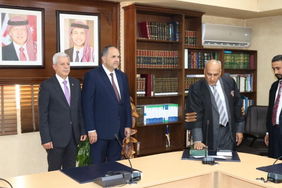 113 محامياً يؤدون اليمين القانونية أمام وزير العدل  (اسماء)
