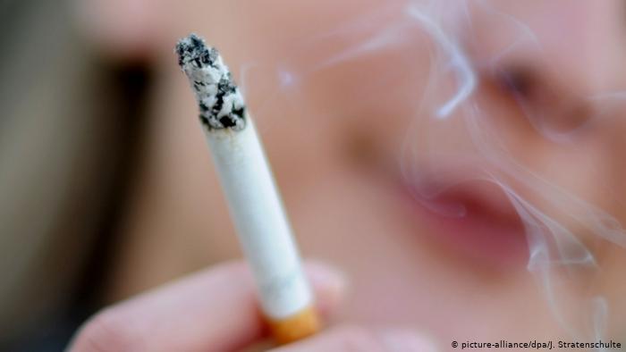 10 آلاف دينار لترخيص خط إنتاج الدخان  وثيقة