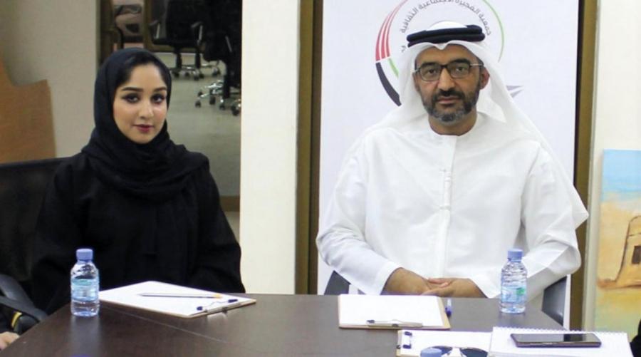 خالد الظنحاني وسليمة المزروعي خلال الكشف عن فعاليات الموسم.