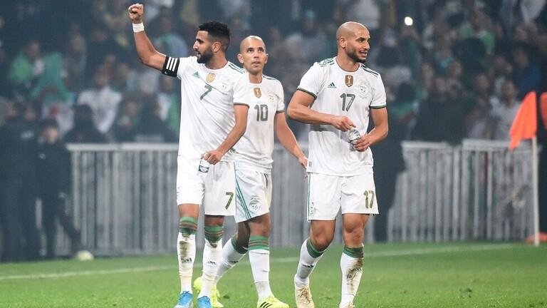 محرز يبدع ويقود الجزائر لتدمير دفاعات كولومبيا بثلاثية