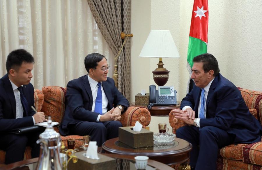 الطراونة والسفير الصيني يبحثان أوجه التعاون والتنسيق البرلماني المشترك