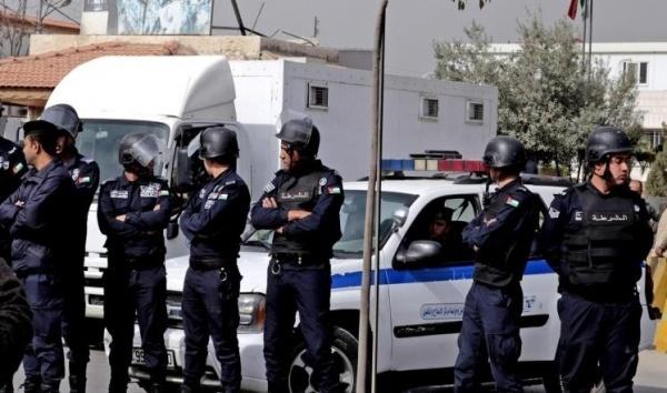 العثور على جثة متفحمة بالشارع العام غرب عمان
