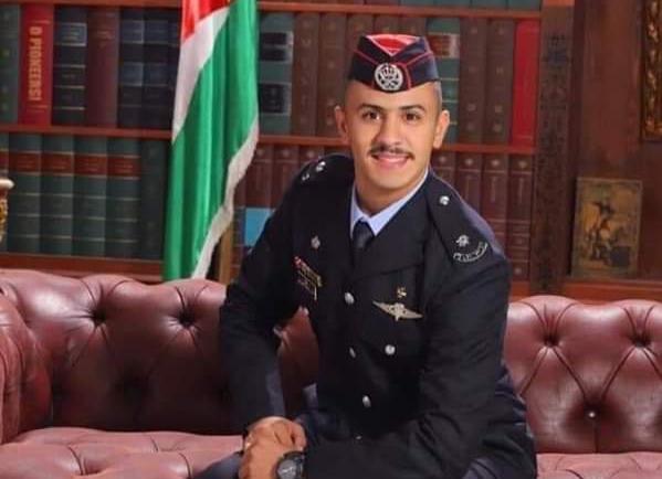 الملازم الحياري الأول على الدول العربيه في  جامعة الخرطوم.. فيديو