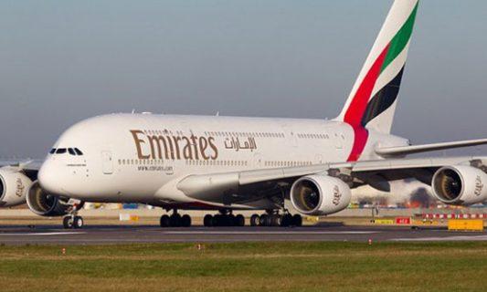 طيران الإمارات تعلق جميع رحلات الركاب مؤقتا الأربعاء المقبل