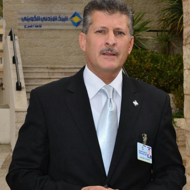 خبرات رائعة وفائدة كبيرة يقدمها عبدالوهاب السمان  في إدارة الاعلام في البنك الأردني الكويتي