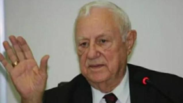 المحافظ الأسبق علي قعدان الفايز ينعي المرحوم معالي الدكتور كامل ابو جابر