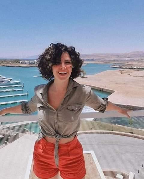 مبارك  تشجع السياحة الاردنية على طريقتها...