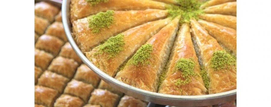 توقعات بزيادة الطلب على المطاعم والحلويات مع قرب عيد الأضحى