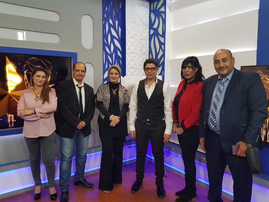 برنامج اسرار والنجوم اكد النجم احمد العطار البومي القادم سيكون مفاجأه للجمهور عند عرضه في الفضائيات