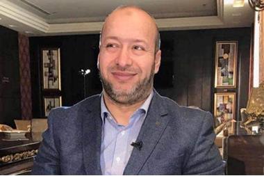 نقل الداعية الدكتور خالد البزايعة الى المستشفى بعد اصابته بفيروس كورونا