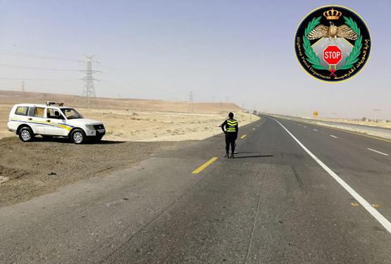 ضبط شاحنة على الطريق الصحراوي غير مرخصة منذ 4 سنوات و سائقها لا حمل رخصة قيادة قانونية