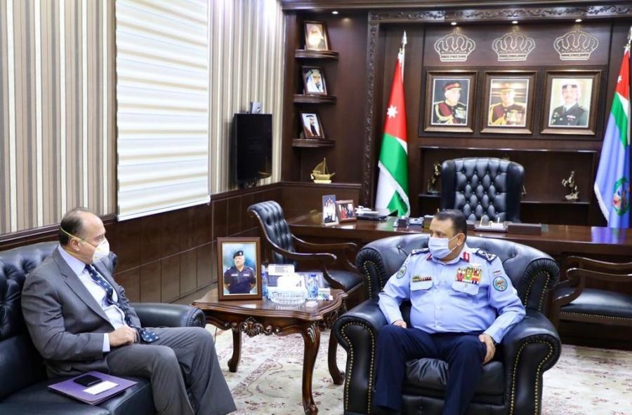 مدير الأمن العام يلتقي السفير الأمريكي في عمان.