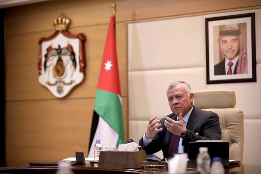الملك يزور رئاسة الوزراء ويترأس جانبا من جلسة مجلس الوزراء... فيديو