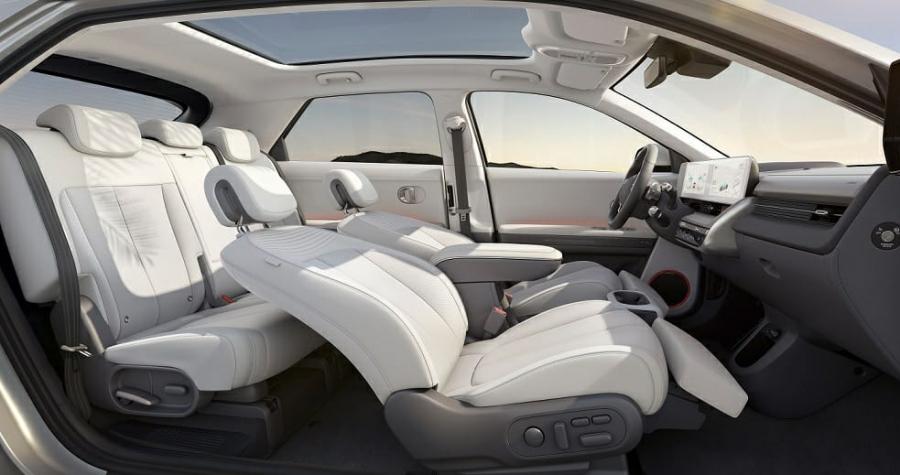 حفل افتراضي للكشف عن أول سيارة من نوعها في العالم هيونداي أيونيك 5 الجديدة تشكل مستقبل التنقل الكهربائي
