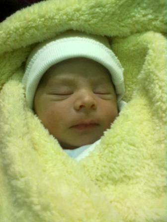 طفل يولد بثلاثة أعضاء ذكرية هي أول حالة من نوعها تسجل في العالم