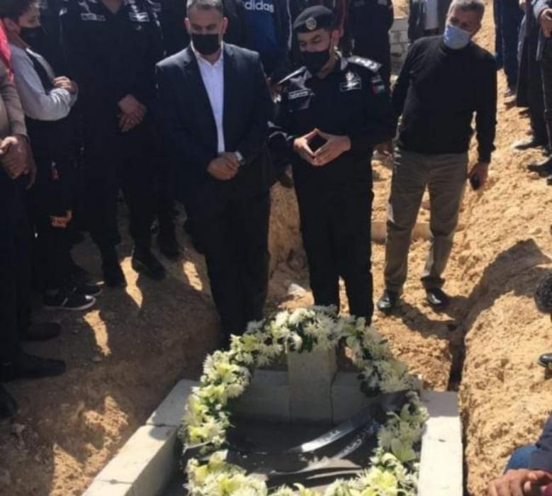 الأمن العام وعشائر الكرك يشيعان جثمان المقدم رائد الرواشدة