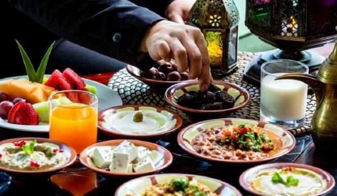 الصحة توجه الأردنيين .. هذا ماذا يجب أن تحتويه وجبة سحوركم في رمضان