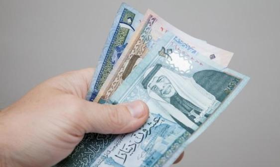 10 آلاف عاملة أردنية بدخل أقل من 200 دينار