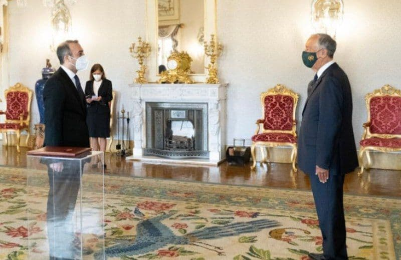 السفير القاضي يقدم أوراق اعتماده للرئيس البرتغالي