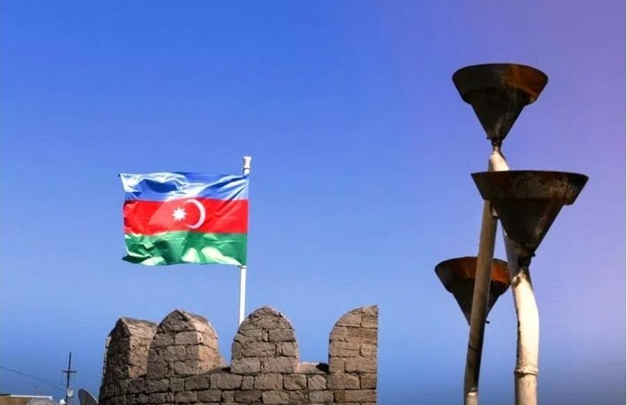 رد ليلى عبد اللاييفا مديرة إدارة الإعلام لدى وزارة خارجية جمهورية أذربيجان على سؤال وسائل الإعلام بشأن ما صرح به الرئيس الفرنسي إ. ماكرون في المؤتمر الصحفي المشترك مع رئيس وزراء أرمينيا