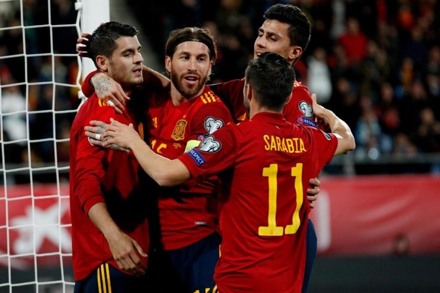 المنتخب الإسباني يتلقى لقاح كورونا قبل انطلاق أمم أوروبا