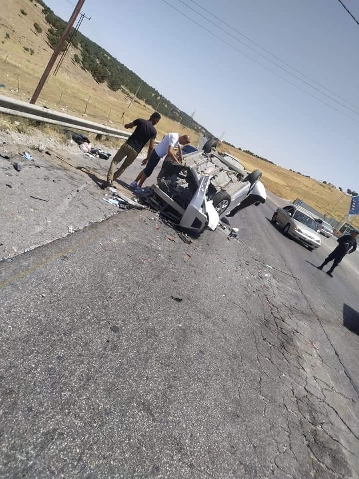 اصطدام عدة مركبات على طريق اربد-الزرقاء..صور