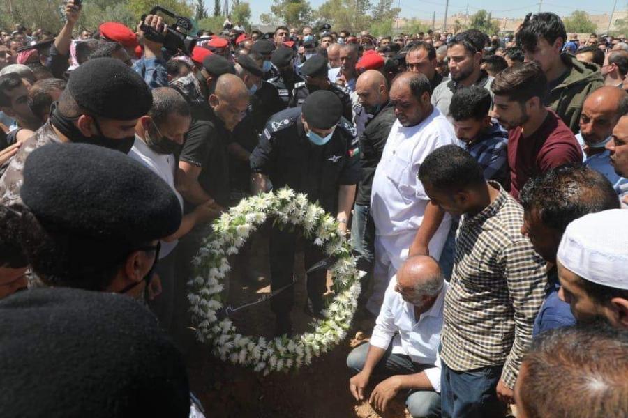 مديرية الامن العام تشيع جثمان العميد محمود عواد مدير شرطة مادبا الى مثواه الاخير