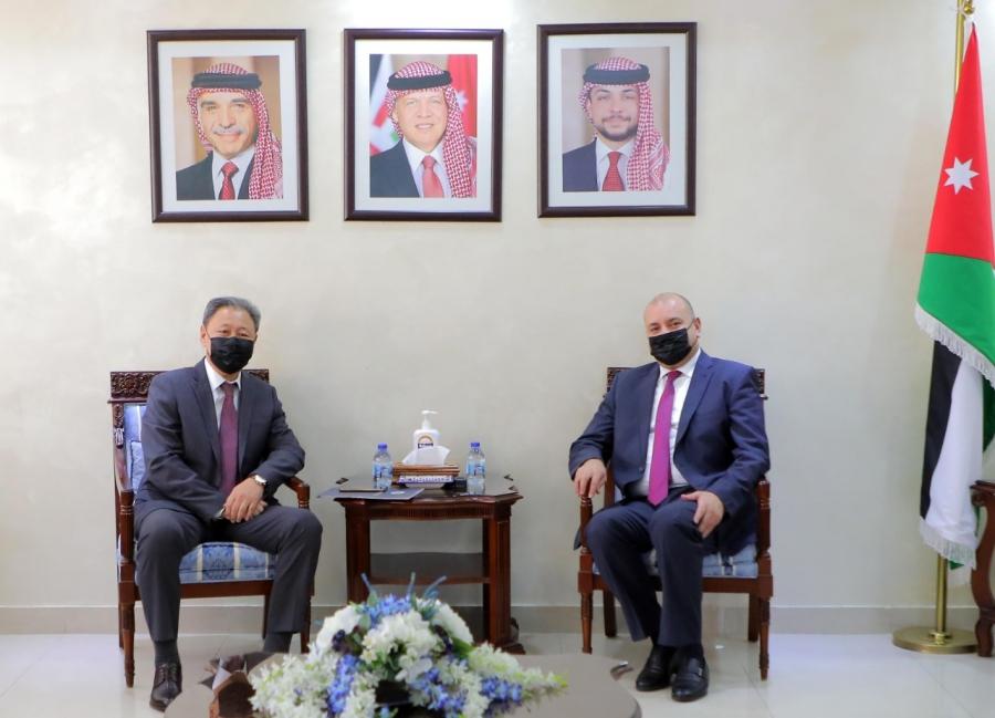 العودات يلتقي سفيرّ عُمان وكازاخستان :: وكالة نيروز الاخبارية