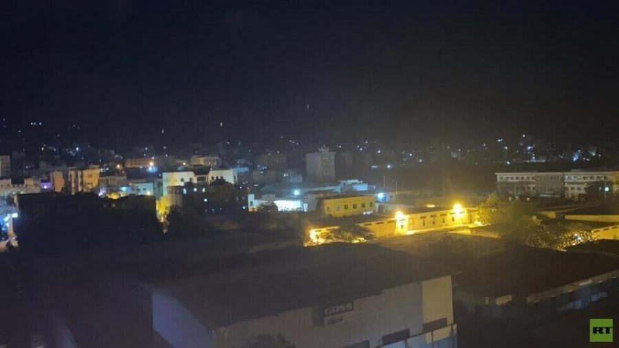 عدن.. محطات الكهرباء الخاصة توقف التوليد بسبب تراكم مديونيات الحكومة