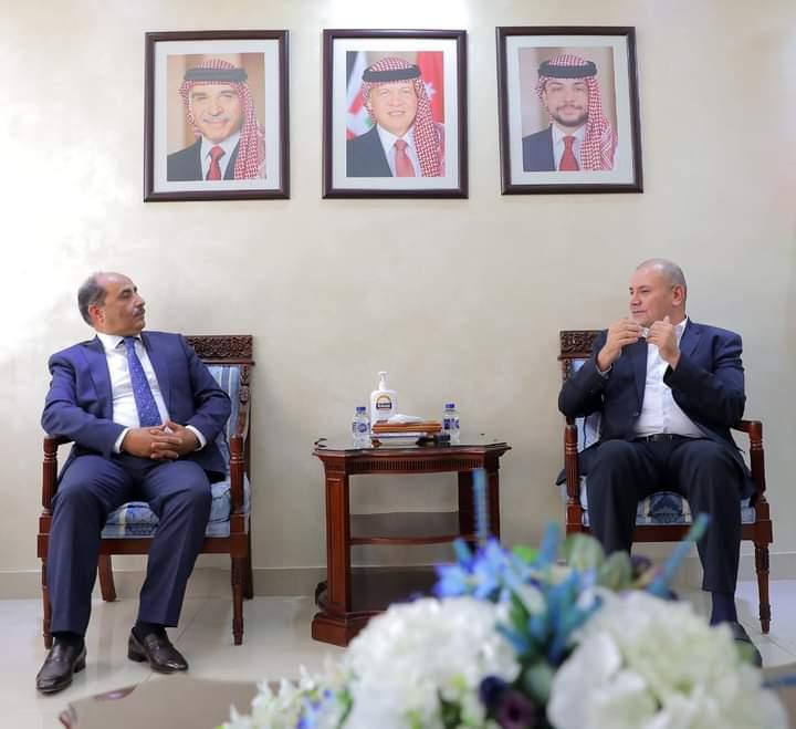 العودات يستقبل وزير الزراعة الفلسطيني