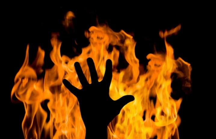 وفاة سيدة أحرقها زوجة في عمّان