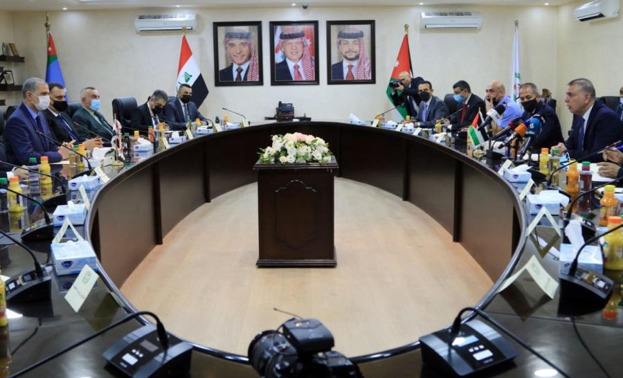 وزير الداخلية يلتقي نظيره العراقي