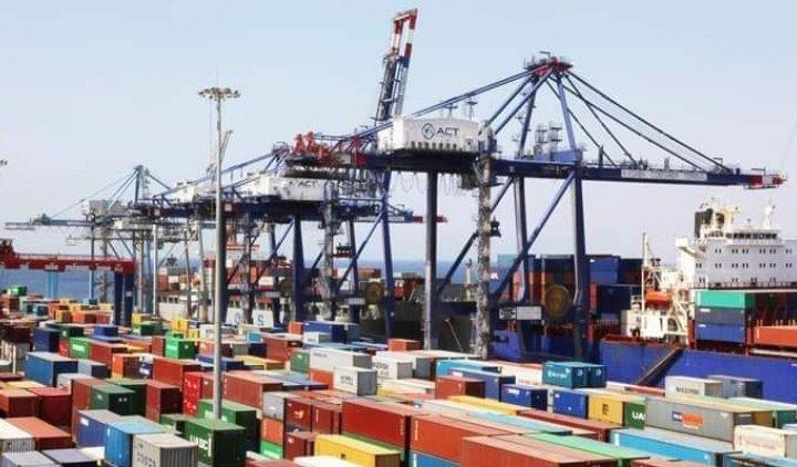 عدم السّماح لوكلاء الملاحة والخطوط البحريّة بحجز حاويات الشّحن
