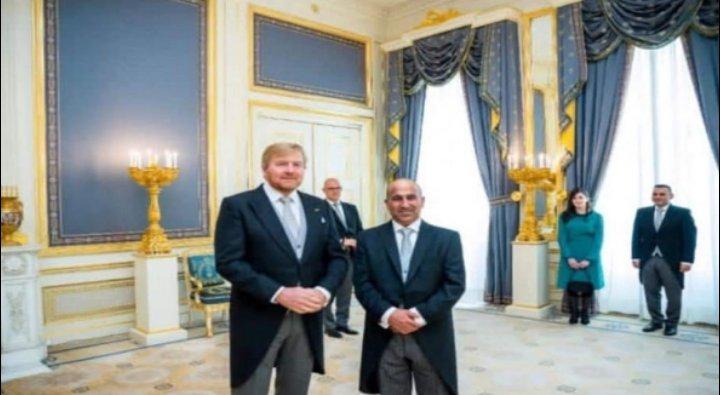 الفايز يقدم أوراق اعتماده سفيراً لدى هولندا
