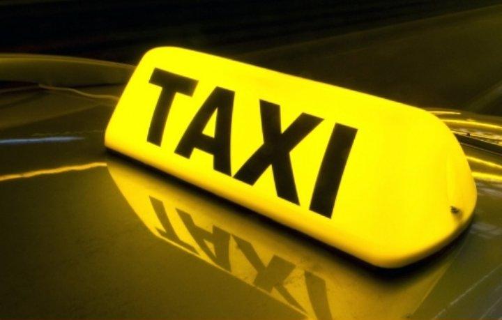 إربد... 4 أشخاص يعتدون على سائق تاكسي ويسلبونه